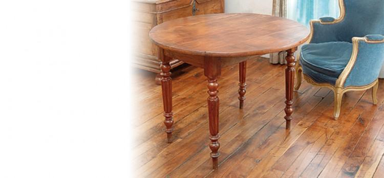 Changer les pieds d'une table en bois