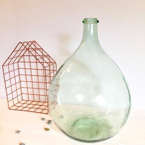 Grosse bouteille en verre