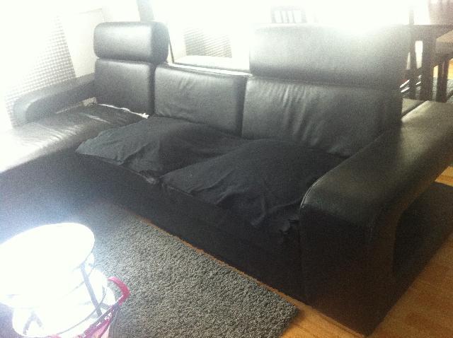 Plaid noir canapé